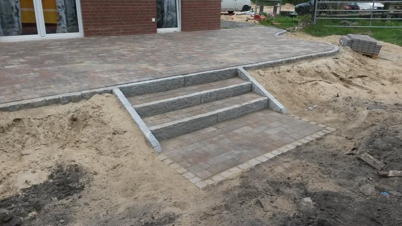 terrasse aus beton die 25 besten ideen zu terrasse beton. Black Bedroom Furniture Sets. Home Design Ideas
